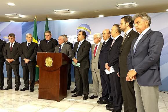 O presidente não eleito Michel Temer fala sobre as alterações na proposta da reforma da Previdência nesta terça (21)