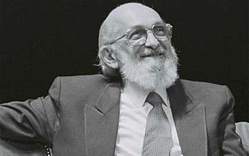 Este ano, Freire está sendo considerado nos Estados Unidos como o terceiro intelectual de todo a história