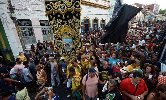 """""""Desde 2017 percebo o quanto o  carnaval funciona como um termômetro das tensões sociais que o país vem passando"""""""
