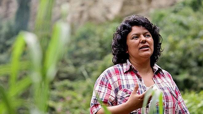 """Berta Cáceres figurava em lista de """"alvos"""" do Exército hondurenho, disse ex-membro de elite ao The Guardian"""