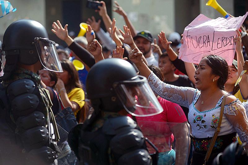 A repressão sangrenta de Lenín Moreno não detêm as milhares de caras da indignação nacional