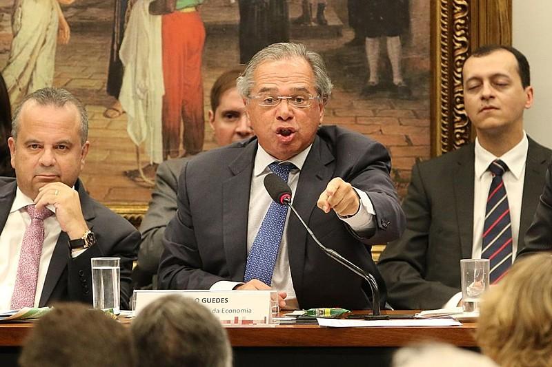 """Deputado Zeca Dirceu (PT-PR) referiu-se a Guedes como """"Tchutchuca"""" com a """"turma mais privilegiada do nosso país"""""""