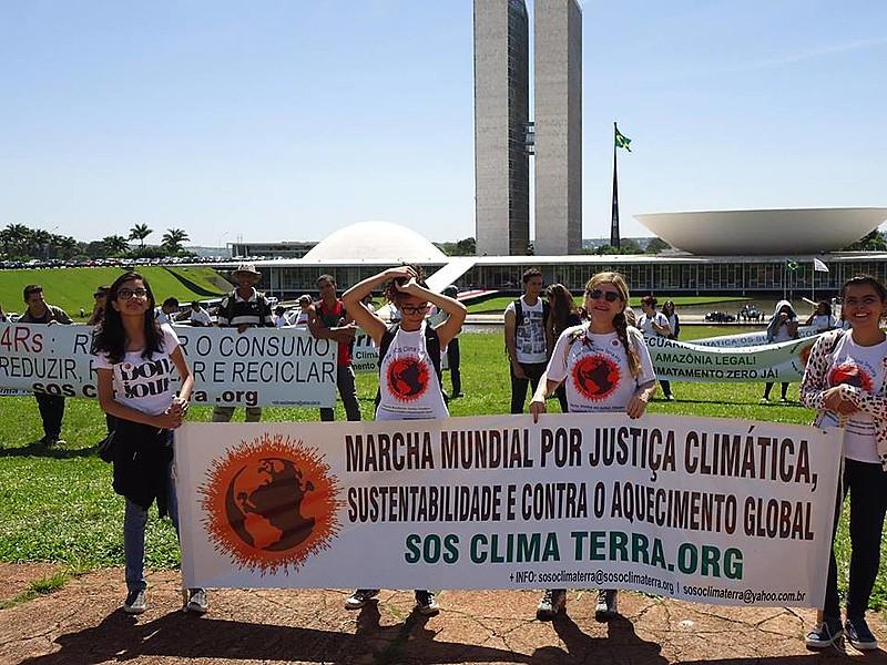 Marcha Mundial do Clima realizada nesta quinta-feira (9), em Brasília
