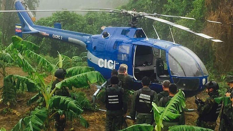 No dia 27 de junho, um ex-funcionário da polícia sequestrou um helicóptero e atacou duas sedes administrativas do Estado venezuelano