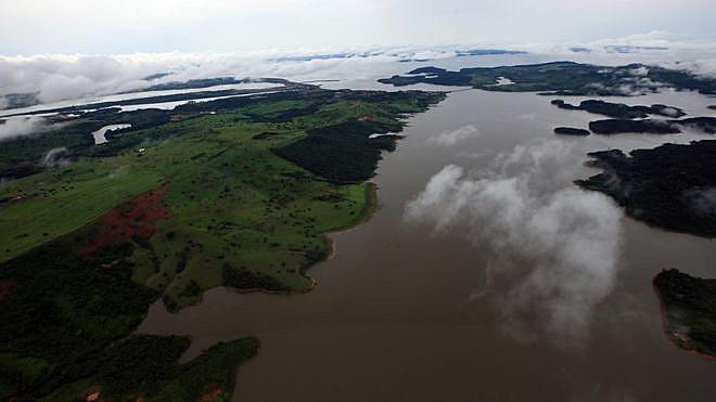 Novo decreto informa o que a legislagação já decreta, que em áreas de preservação nacional e terras indígenas é proibido minerar