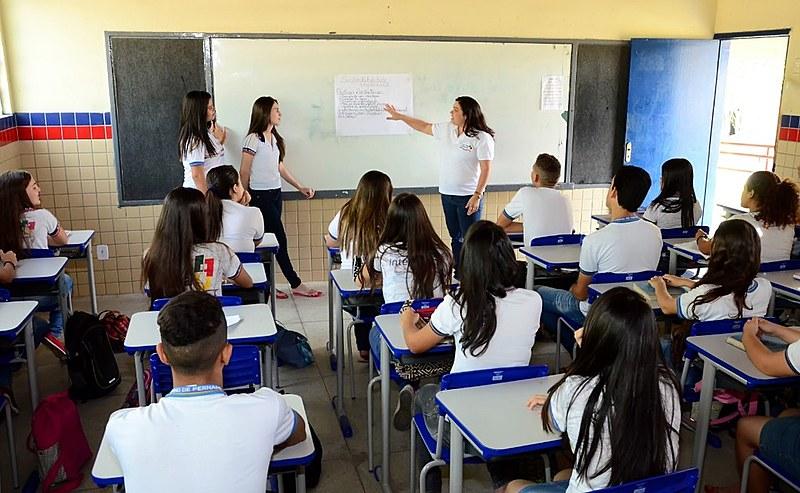 O resultado do IDEB coloca Pernambuco e São Paulo empatados no Ensino Médio. Mas a divulgação da informação não veio acompanhada de uma análise acurada dos dados.