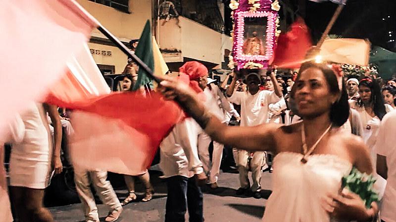 Na comunidade La Vega, periferia de Caracas, a festa de São João Batista vara a madrugada ao som de tambores tradicionais