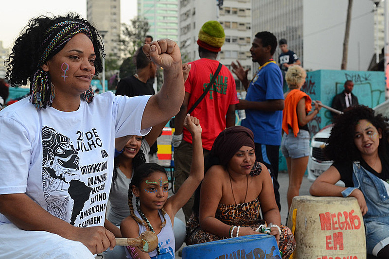 Registro da Marcha das Mulheres Negras contra o racismo, o machismo, o genocídio e a lesbofobia, em São Paulo, em 2016