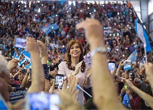 Cristina Kirchner era cotada como oponente de Mauricio Macri