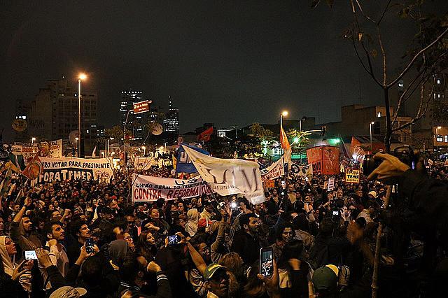 Protesto em São Paulo durante a greve geral, no dia 28 de abril; para centrais, 'Ocupa Brasília' é continuidade de atos contra as reformas