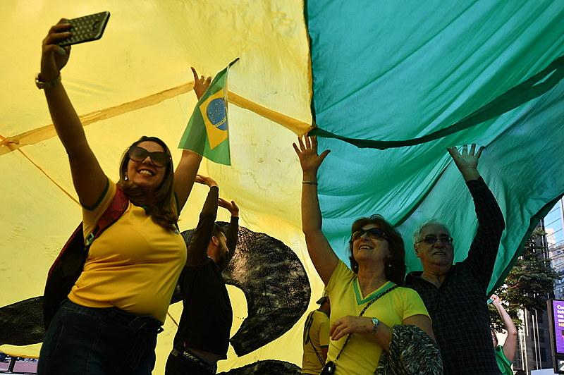 Manifestantes presionan al STF y al Congreso y exigen la aprobación de la reforma de las Pensiones y del paquete anticrimen de Sergio Moro
