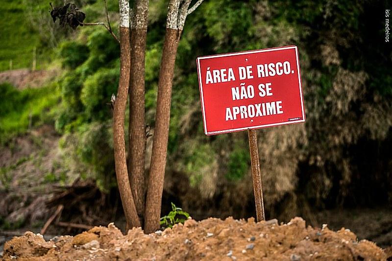 Embora não seja o único motivo, Márcia destaca o fato de que a região já sofria grandes abalos ambientais pela mineração.