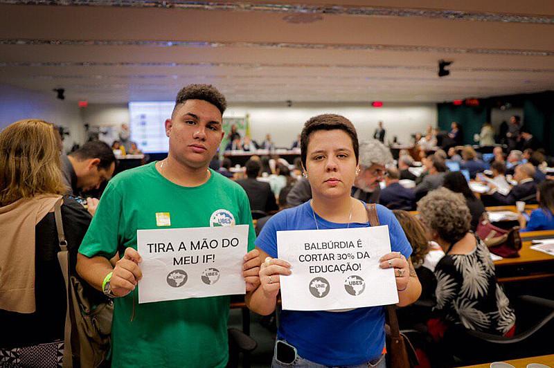 Marianna Dias, presidente da UNE, e Pedro Gorki, presidente da Ubes