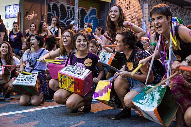 Manifestación también denuncia violencia machista y defiende legalización del aborto