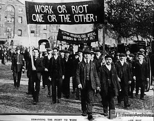 Trabalhadores se mobilizaram contra carga horária de trabalho abusiva