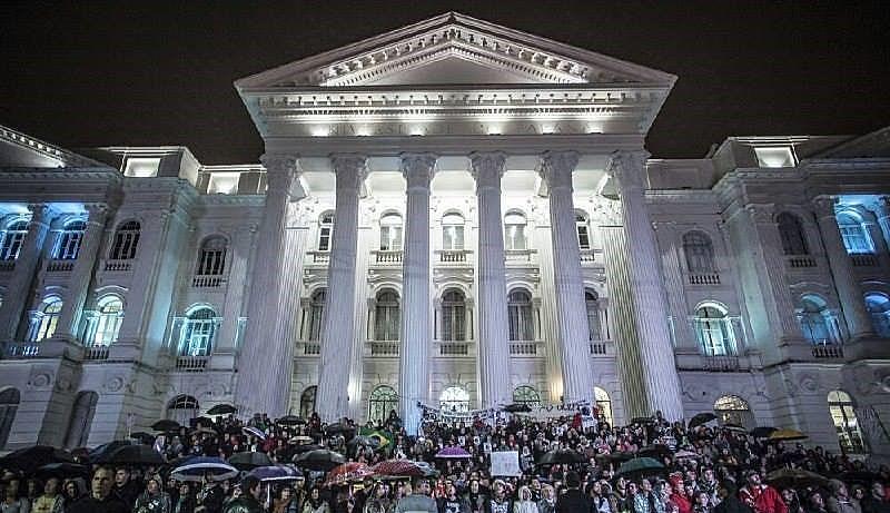 Em Curitiba, as ações serão na noite de terça e na manhã de quarta-feira, na Praça Santos Andrade, Centro da capital
