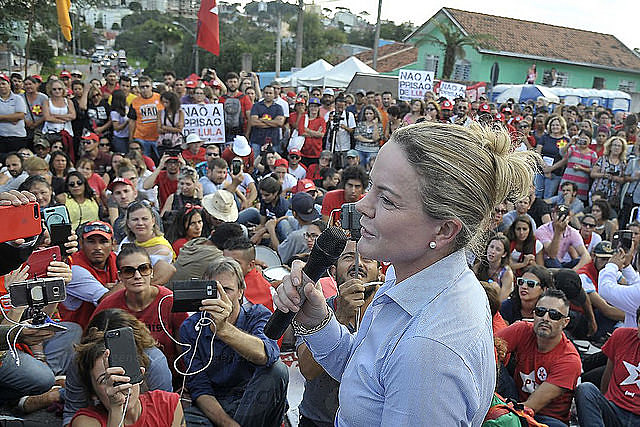 Workers' Party chair Gleisi Hoffmann read ex-president's letter to activists at pro-Lula camp