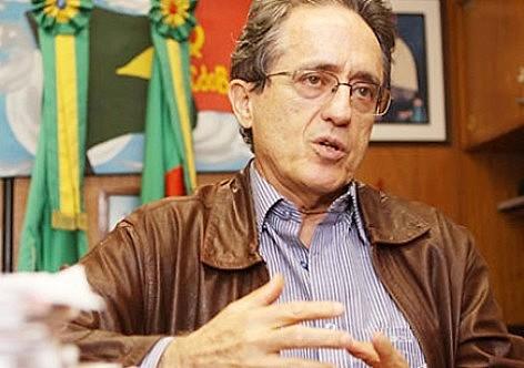 """""""Nesses termos, é preferível ficar tudo como está"""", diz Arantes sobre a Reforma Política"""