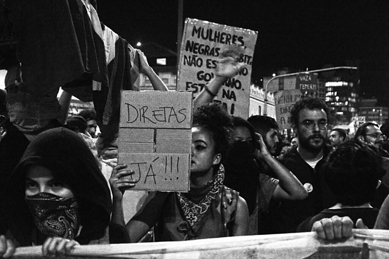 """""""No momento que a Rede Globo fala """"Fora Temer"""", é um sinal de alerta para as forças populares"""""""
