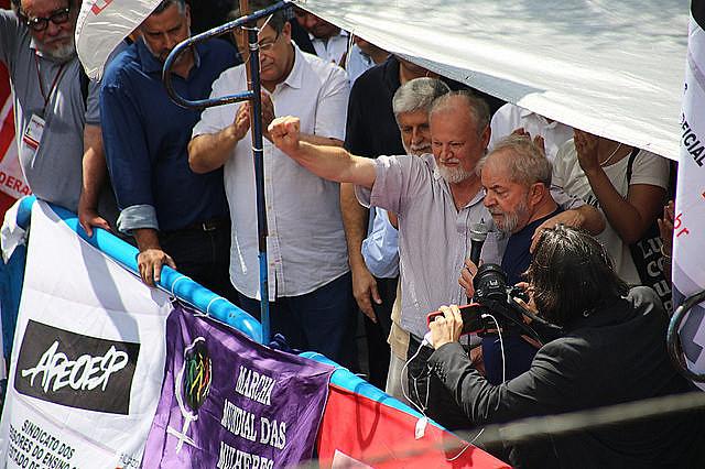 João Pedro Stedile, del MST, estuvo con Lula en el acto de apoyo al ex presidente organizado en el Sindicato de Metalúrgicos de ABC