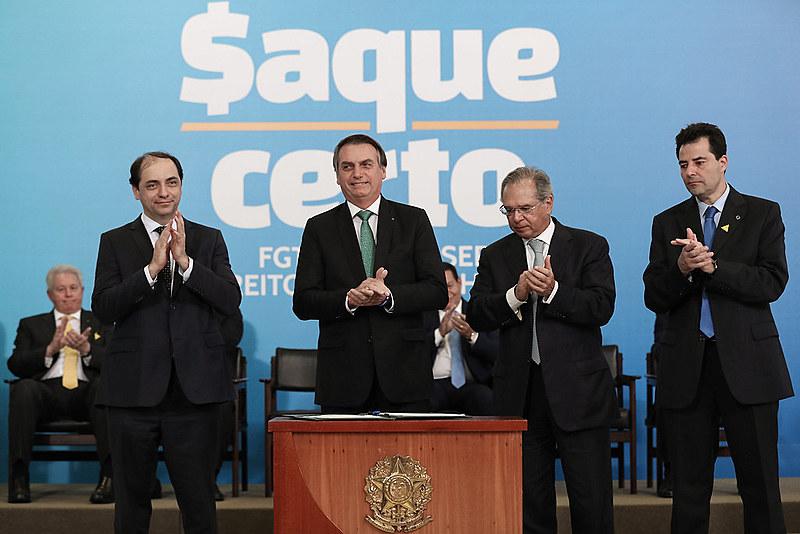 Bolsonaro aumenta sua dependência de Guedes, analisa o jornalista Thomas Traumann