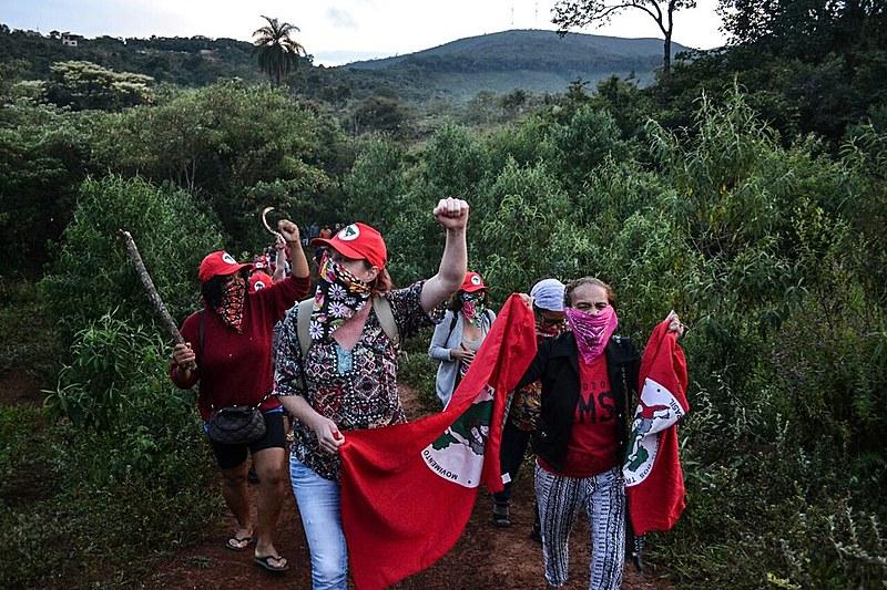 Mulheres Sem Terra ocupam Fazenda de Eike Batista