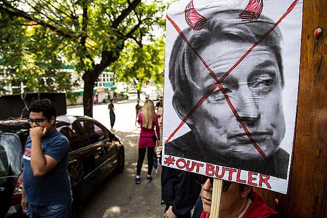 Afiche repudia la ponencia de Judith Butler en Brasil a comienzos de noviembre