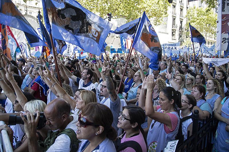 A paralisação está prevista para deve durar 72 horas; professores no entanto consideram expandir tempo de greve
