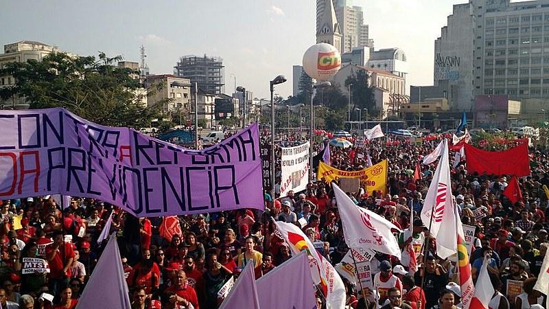 Ato da esquerda no Largo da Batata reuniu 60 mil pessoas, segundo organizadores