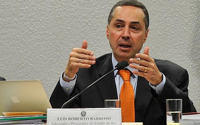 Ministro do STF, Luís Roberto Barroso concedeu liminar neste sábado (4)