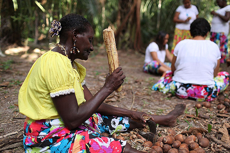 Exitem cerca de cinco milhões de brasileiros que se auto reconhecem pertencentes de povos e comunidades étnicos
