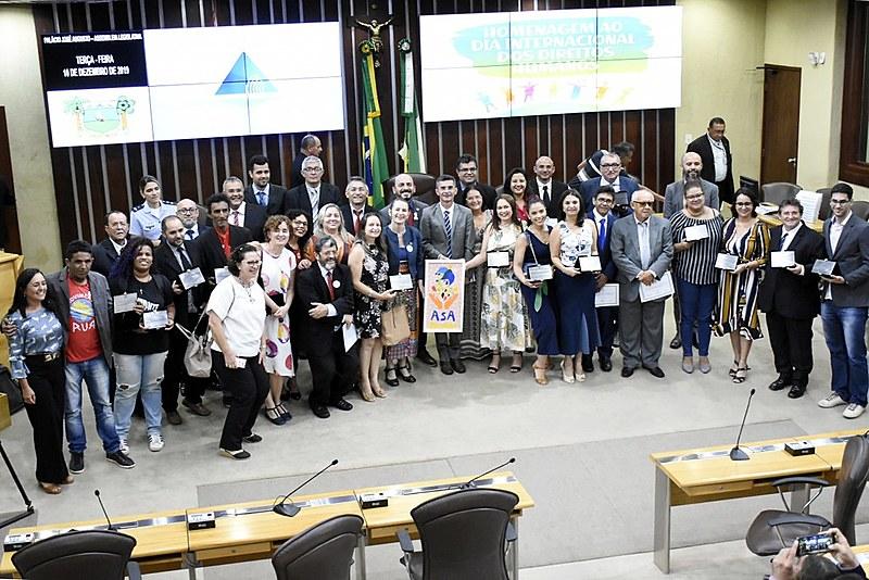 A sessão foi proposta pelo deputado estadual Francisco do PT e pela deputada estadual Isolda Dantas