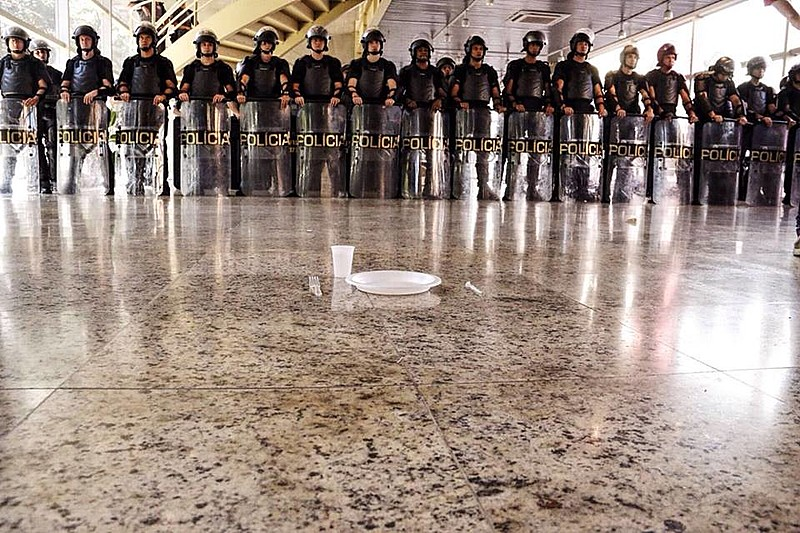 A sede do Centro Paula Souza está ocupada pelos estudantes desde a quinta-feira (28)
