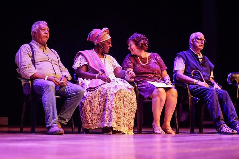 Evento ocorreu no teatro da PUC, em São Paulo