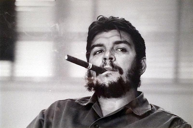 Médico, jornalista, escritor, diplomata e líder revolucionário, Che nasceu nasceu em Rosário, na Argentina