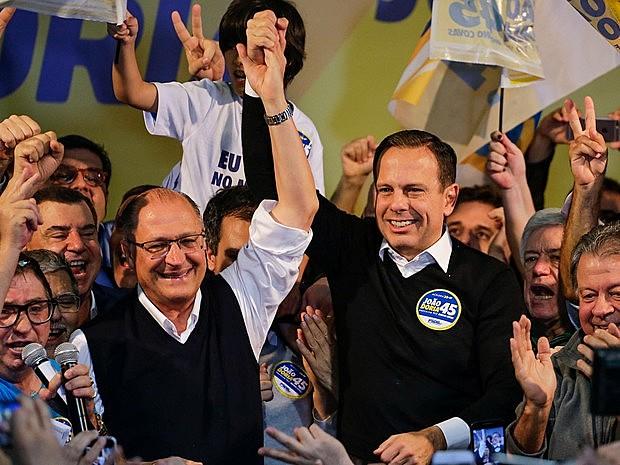 Alckmin e Doria têm tomado várias medidas que oneram a população dependente do transporte coletivo