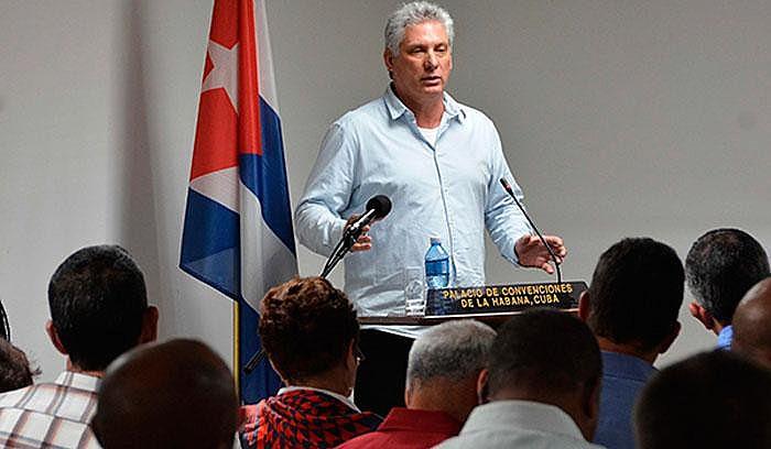 O engenheiro Miguel Díaz-Canel destacou-se como dirigente do Partido Comunista, durante os anos de 1990