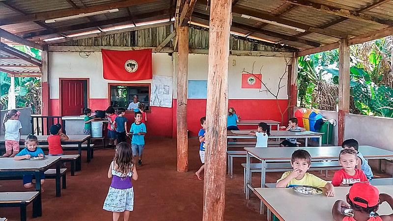 Refeitório da Escola Trabalho e Saber, Paraná