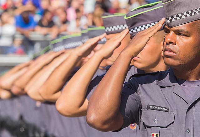 Caem mortes de agentes se segurança, e policiais matam mais jovens negros da periferia