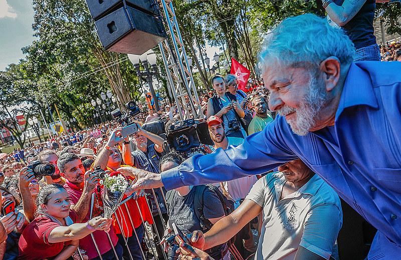 Não há como mitigar a gravidade do atentado contra Lula. Foram tiros, não palavras ou mensagens covardes na internet.