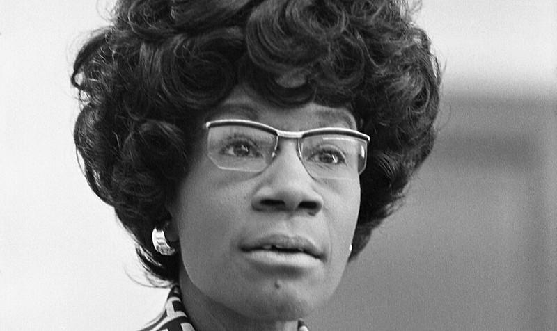 A homenageada nasceu em 1924 em Nova York e, em 1968, foi eleita pelo 12º distrito da cidade como deputada, cargo que exerceu até 1983
