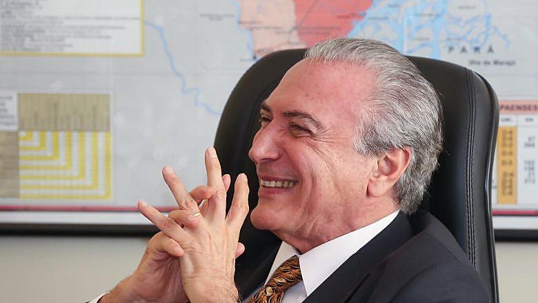 Em paralelo ao discurso, mobilizações em todo o Brasil denunciavam os retrocessos da reforma