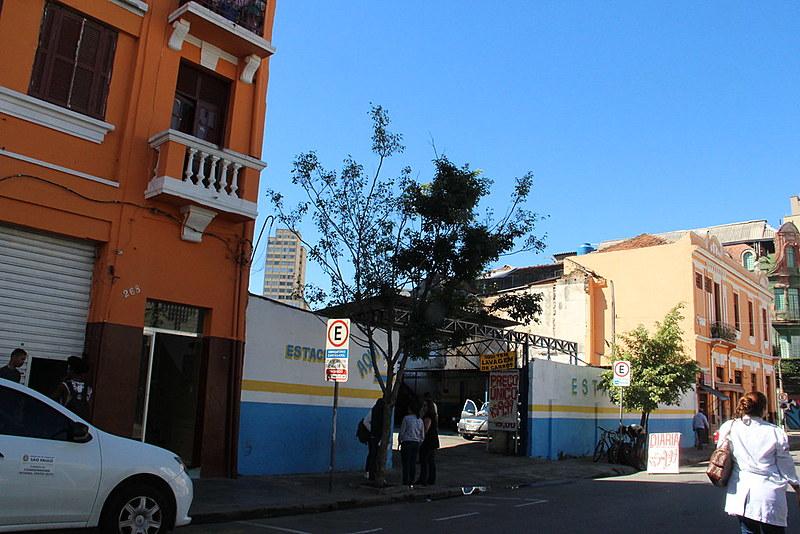 Equipes da Secretaria de Saúde da Prefeitura estiveram nos hotéis sociais Zezinho 1 e 2, na última segunda (27).