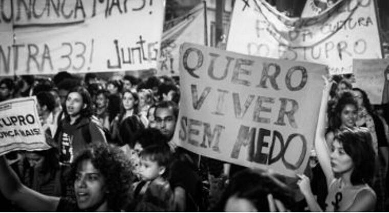 Protesto contra a violência sexual contra mulheres