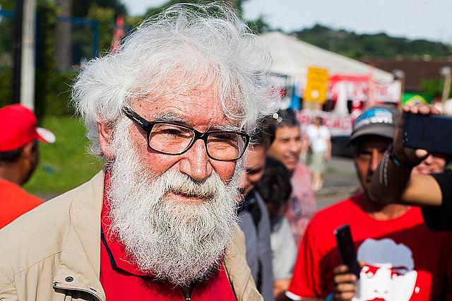 """""""Usan a Lula como trofeo, para sustentar las mentiras que contaron"""", dice Boff"""