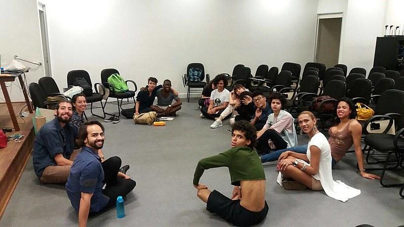 Coletivo Transformação oferece aulas de cursinho pré-vestibular para pessoas trans
