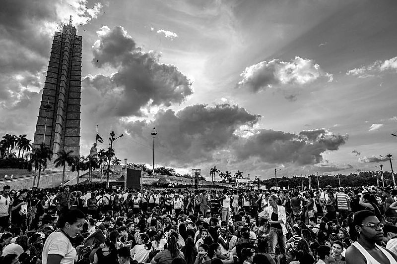 População cubana se reúne na Praça da Revolução para o último adeus a Fidel Castro