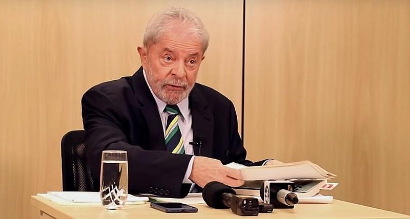 Ex-presidente Lula durante entrevista ao portal Migalhas, na sede da PF em Curitiba