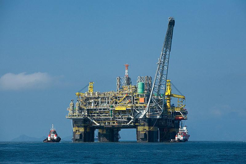 Petróleo brasileiro é vendido para exploração de empresas estrangeiras
