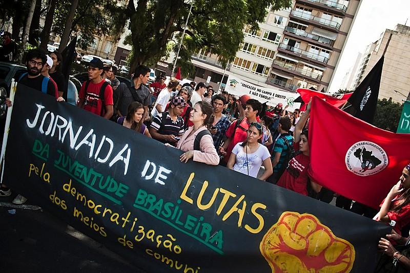 Jornada de Lutas realizada por jovens em 2013